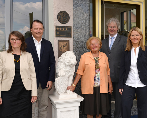 Family Loew welcomes you at the 4-star hotel Ringhotel Loew´s Merkur in Nuremberg