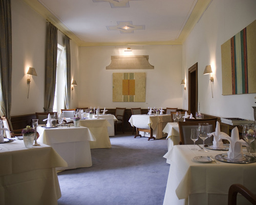 The cuisine at the 4-star-superior hotel Ringhotel Landhaus Eggert in Muenster serves delicacies from near and far