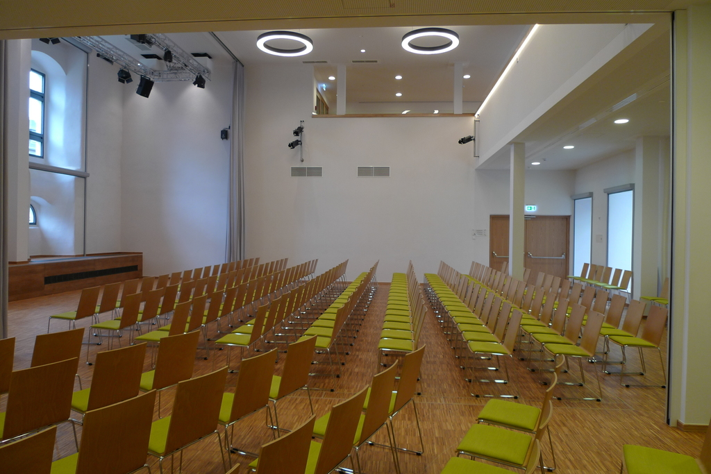 Huge and appropriate conference rooms for your events you will find at the Ringhotel Schlossberg in Neustadt/Orla, 3 stars superior Hotel in the Thuringian Forest