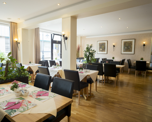 Enjoy your breakfast in the breakfast room in the the Ringhotel Posthof garni, 3-star superior hotel in Saarlouis