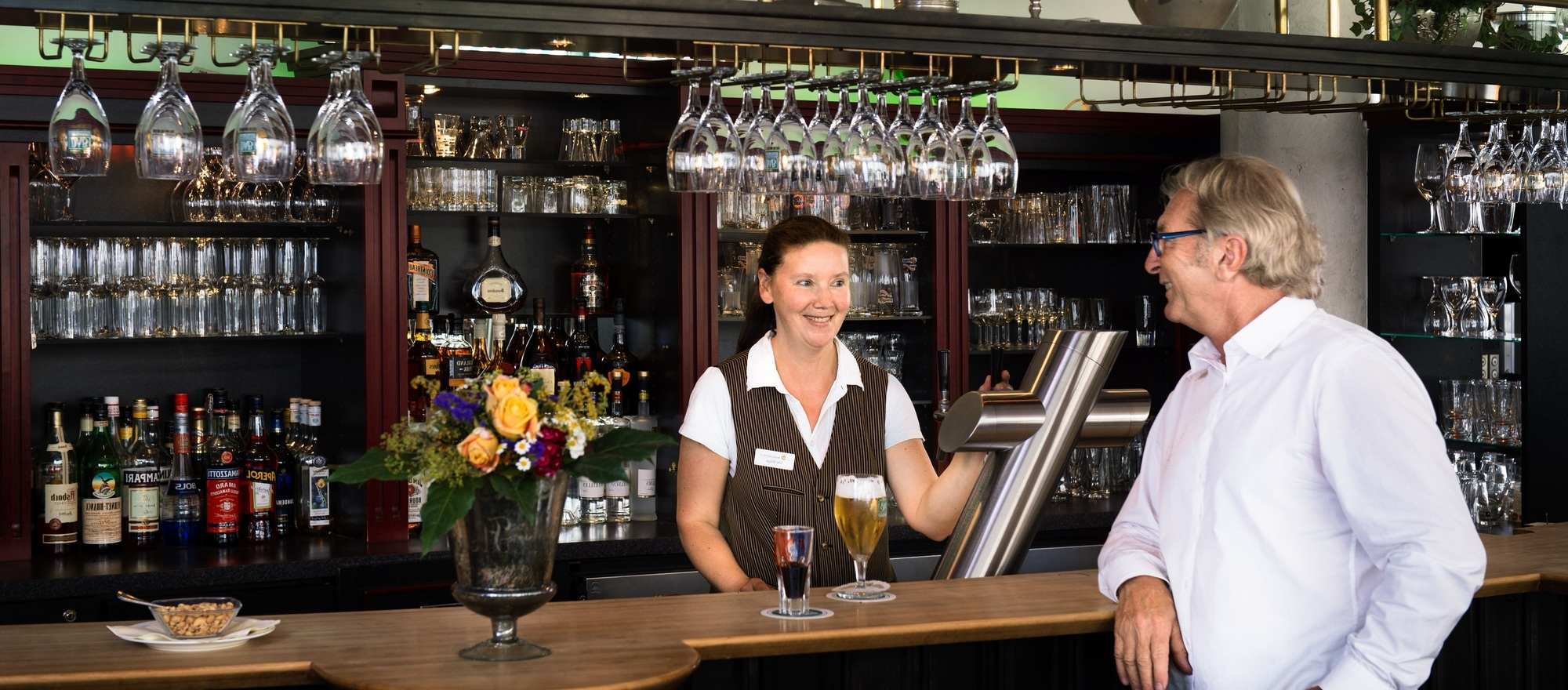 The cosy bistro bar of the 4-star hotel Ringhotel Katharinen Hof in Unna
