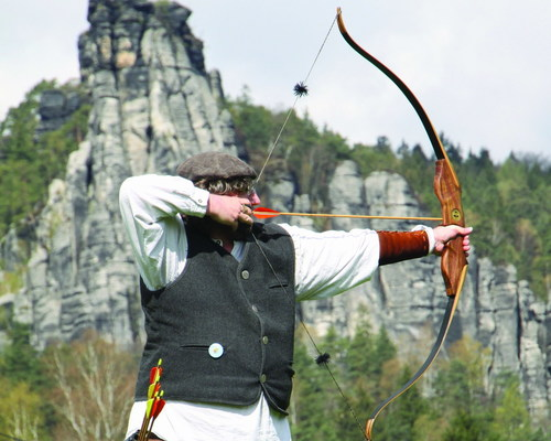 Arrow and archery at the Ringhotel Landhaus Nicolai in Lohmen, hotel in Saxon Switzerland