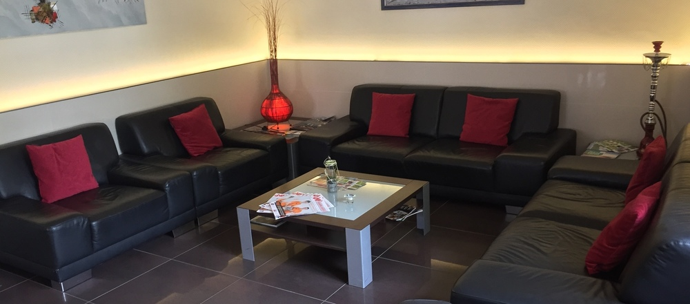 Cosy lounge area with Sky SportsBar in the 3-star superior Ringhotel Park-Hotel in Saarlouis