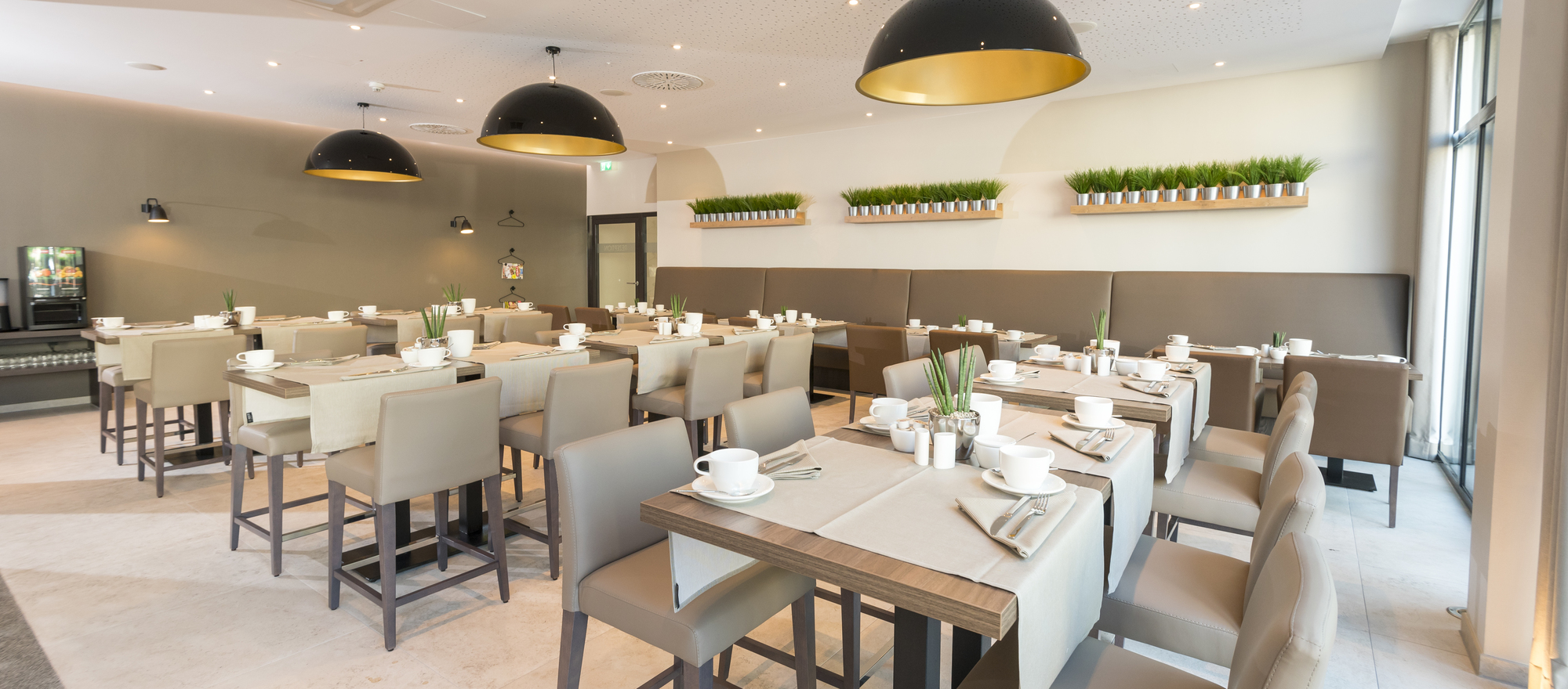Stylish bistro in the Ringhotel Looken Inn in Lingen, 4-stars hotel in the Emsland