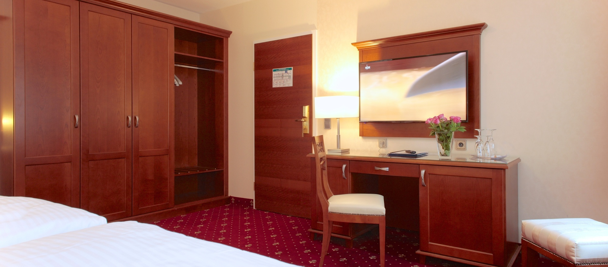 Double room in the Ringhotel Faehrhaus in Bad Bevensen, 4-stars hotel in the Luneburg Heath region