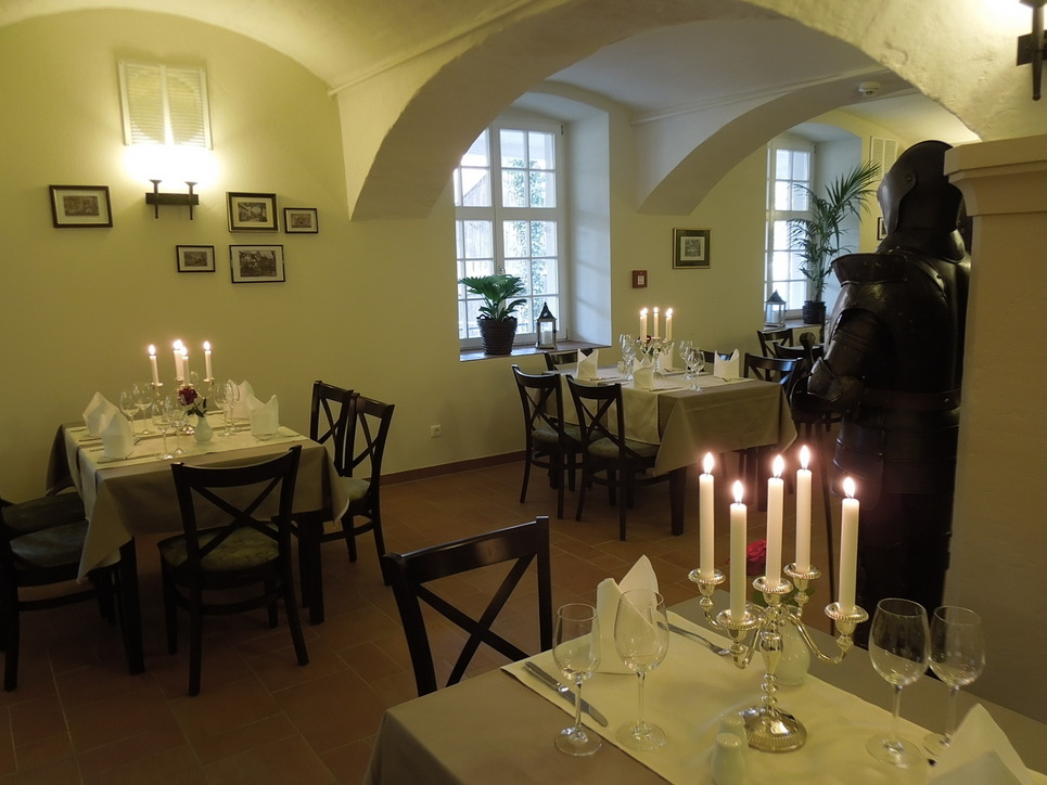 Culinary delights in the restaurant of the hotel Ringhotel Mutiger Ritter in Bad Koesen