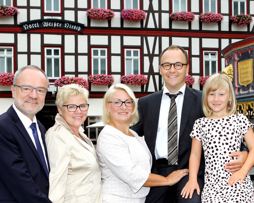 Family Wieland welcomes you at the 4-star hotel Ringhotel Weißer Hirsch in Wernigerode