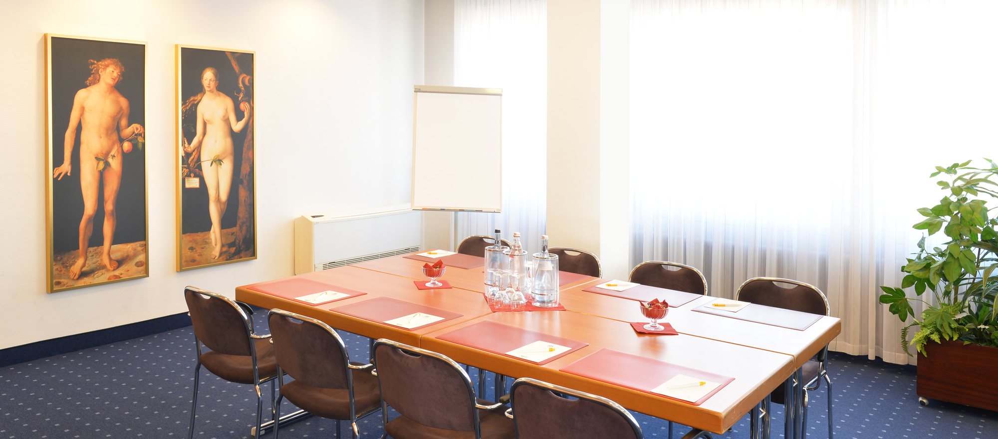 Small conference room at the Ringhotel Loew's Merkur, 4 stars Hotel in Franconia
