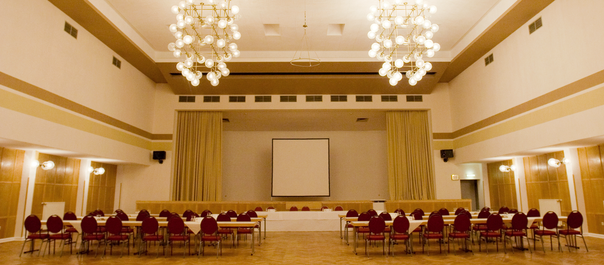 Perfect for your events and celebrations the hall of the Ringhotel Dreiwasser in Sternberg