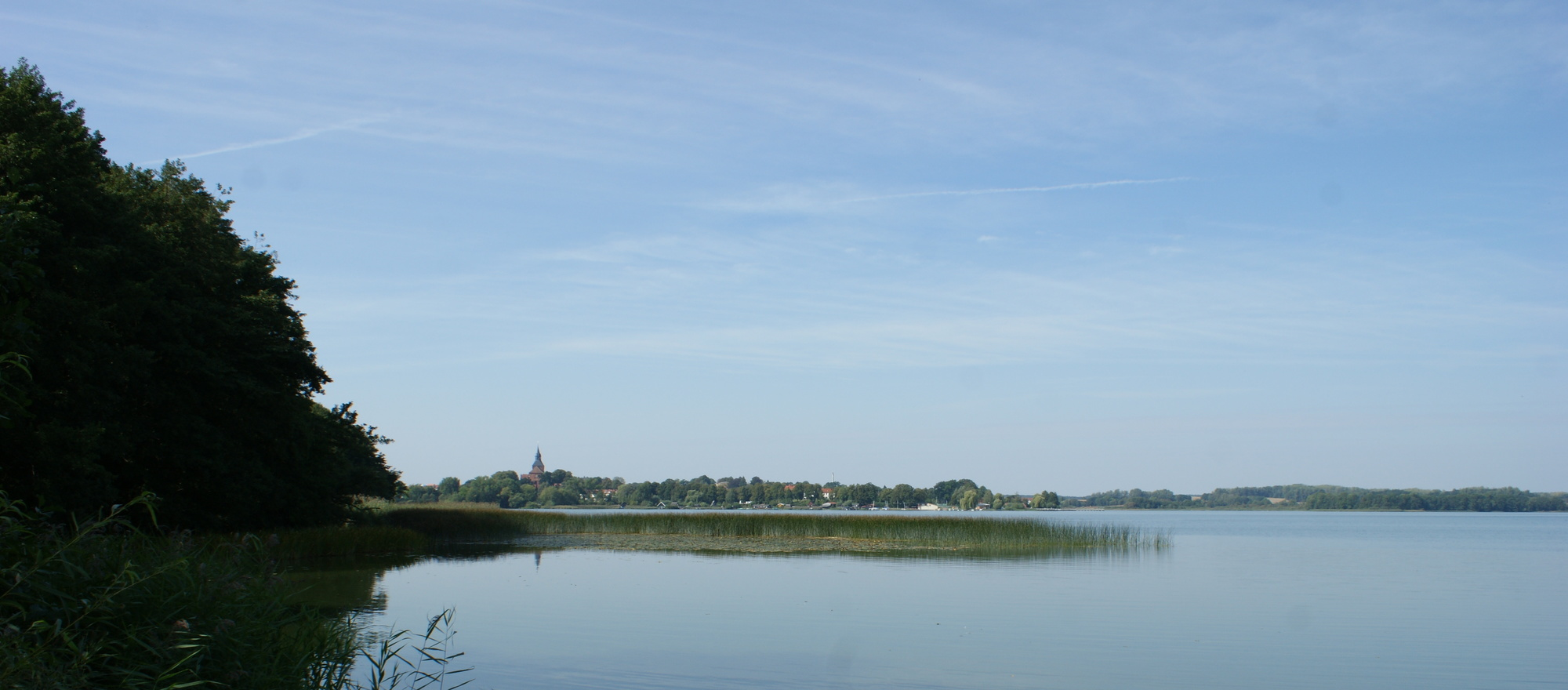 Die Mecklenburg Lake Districkt invites you for hiking, for relaxing, to discover and to enjoy