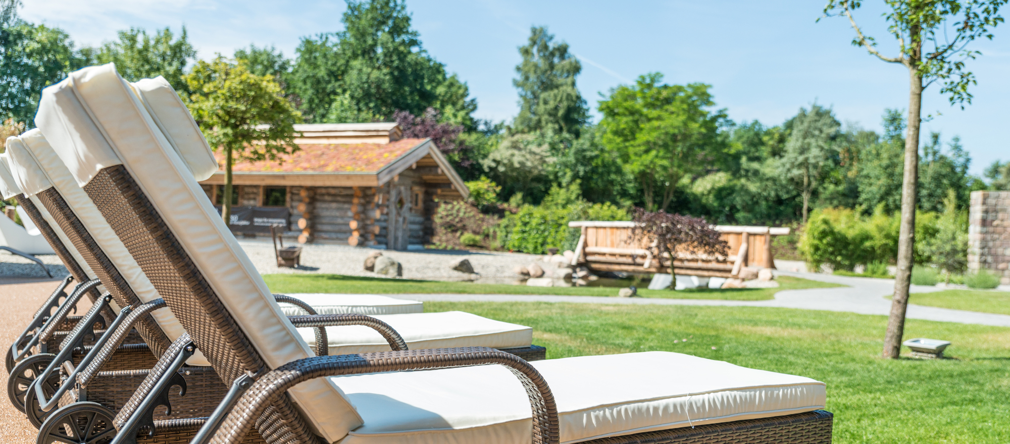 Enjoy the silence in the outdoor facility of the Alfen Saunaland in the Ringhotel Alfsee Piazza in Rieste, 3 stars superior hotel im Osnabrueck region
