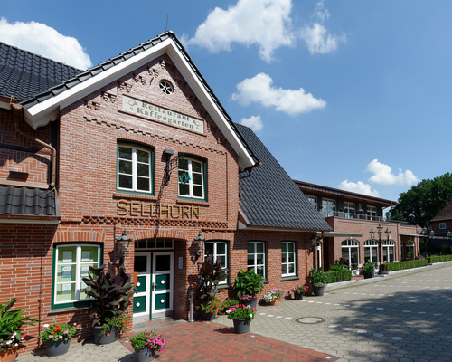 the Ringhotel Sellhorn in Hanstedt, 4-stars hotel in the Luneburg Heath region