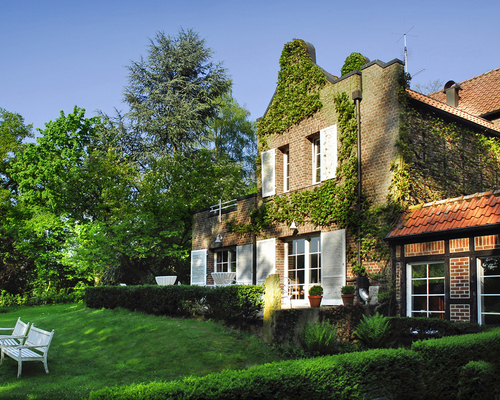 The 4-star-superior hotel Ringhotel Landhaus Eggert in Muenster is an elegant country manor in the Wersetal valley