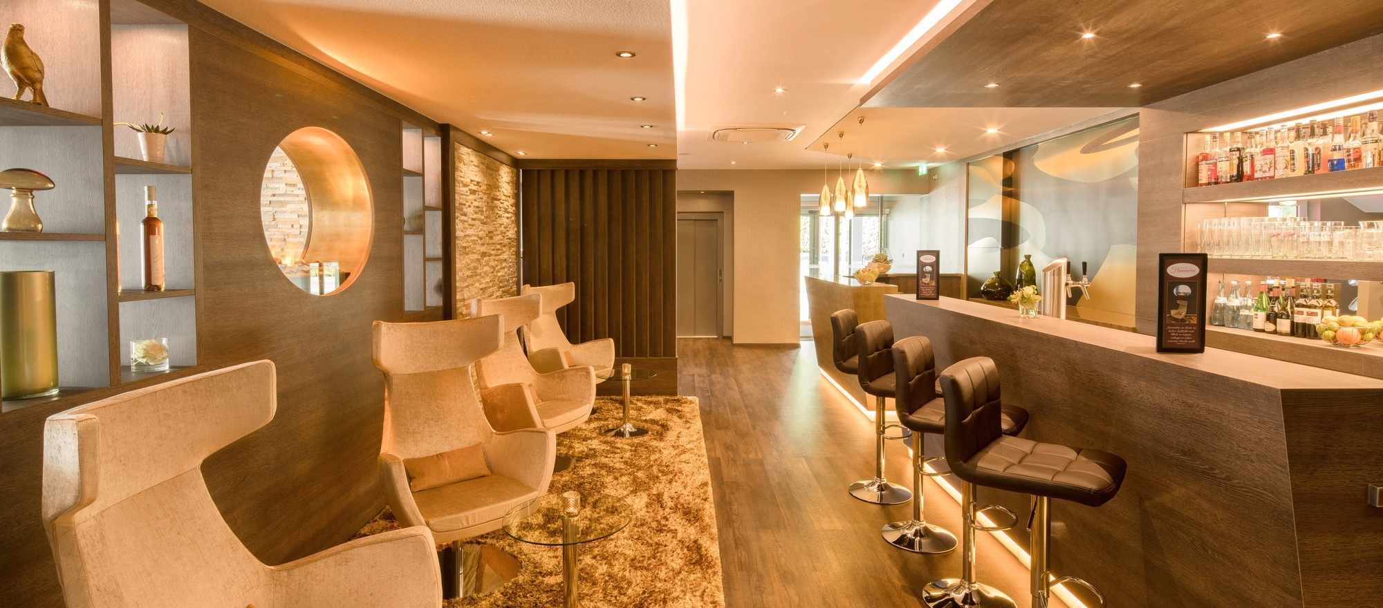 Relax at the bar or lounge area in the 3-star-superior hotel Ringhotel Reubel in Nuremberg-Zirndorf