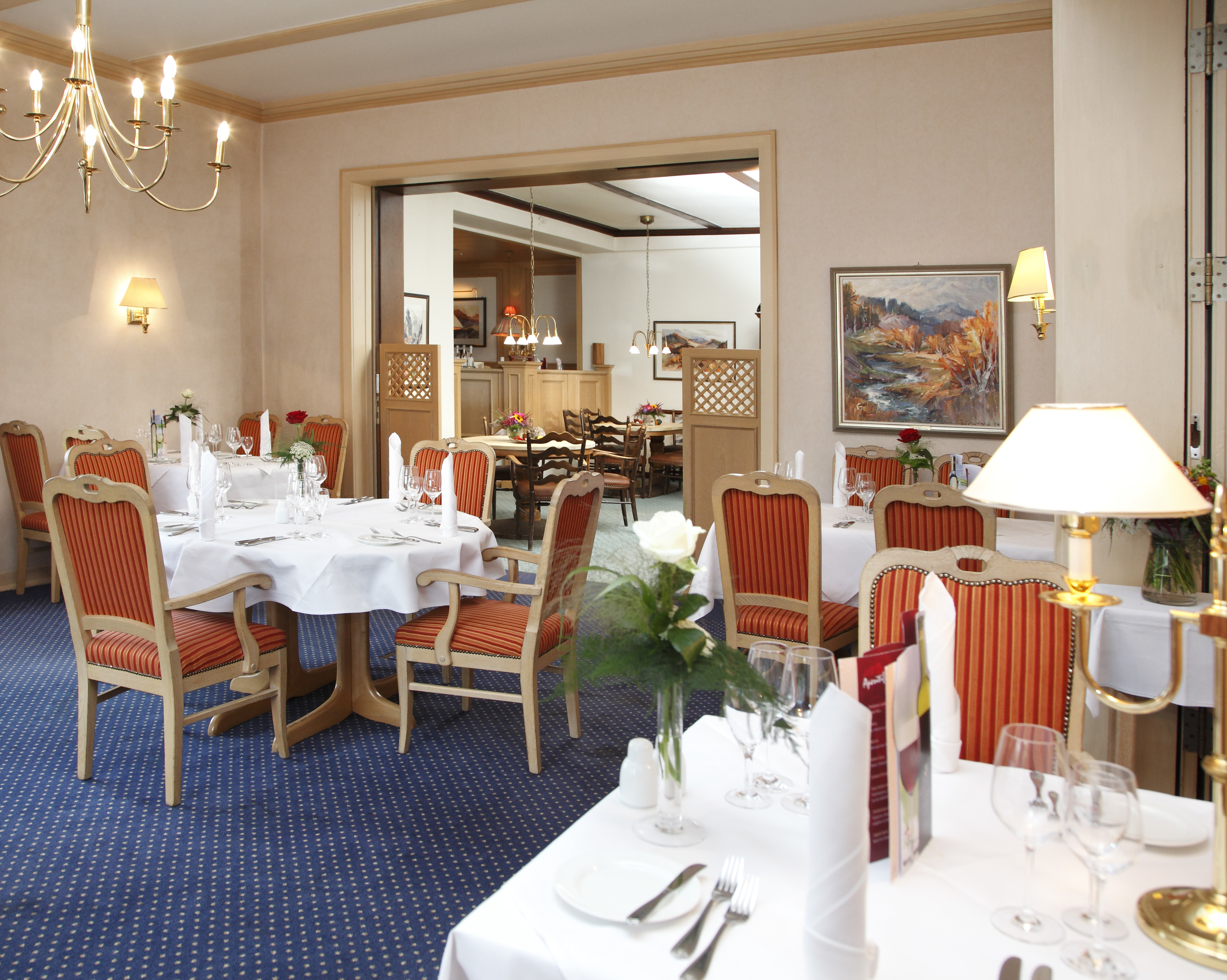 Our guests awaits a creative, sophisticated cuisine composed of a fine selection of regionally and seasonally interpreted dishes in the restaurant of the Ringhotel Posthotel Usseln in Willingen, 4-star hotel in Sauerland