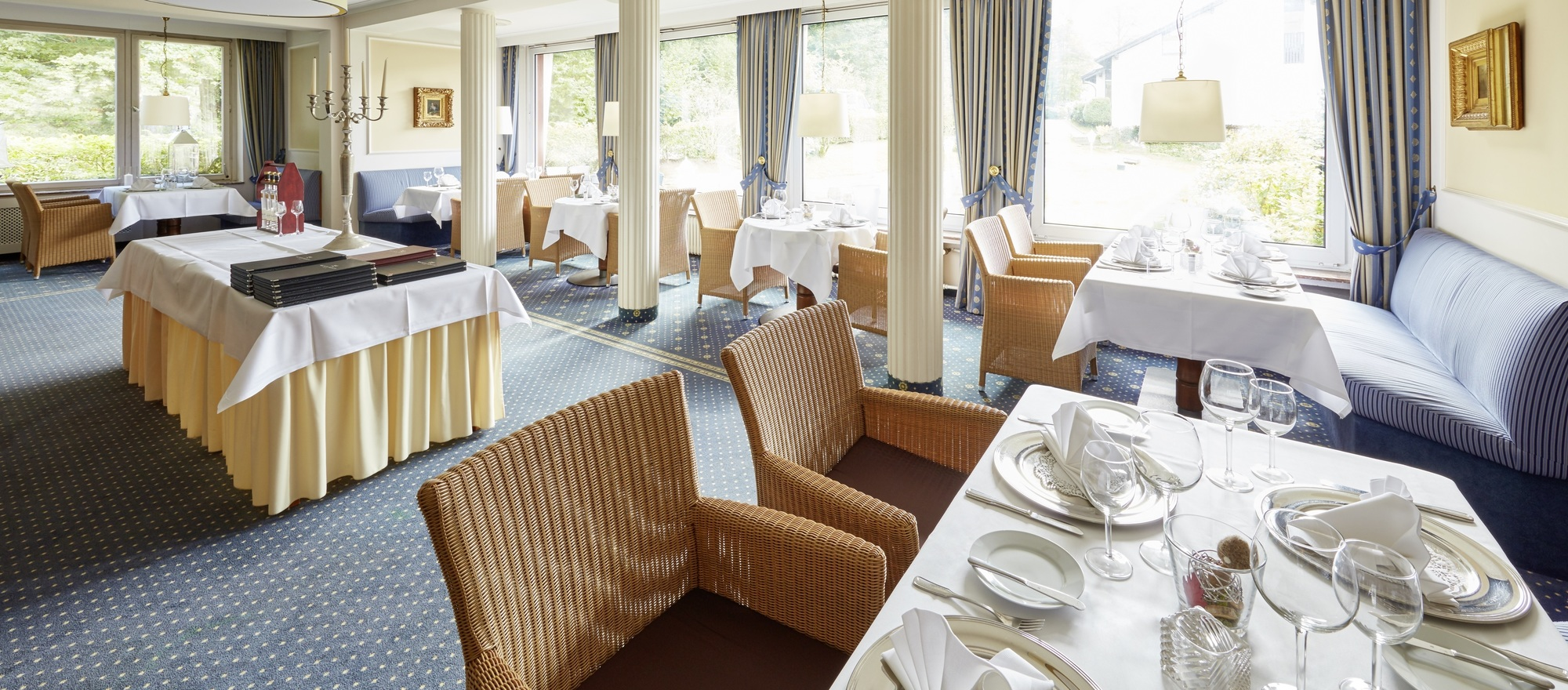 The kitchen of the 4-star hotel Ringhotel Waldhotel Baerenstein in Horn-Bad Meinberg creates a varied cuisine from local and seasonal ingredients