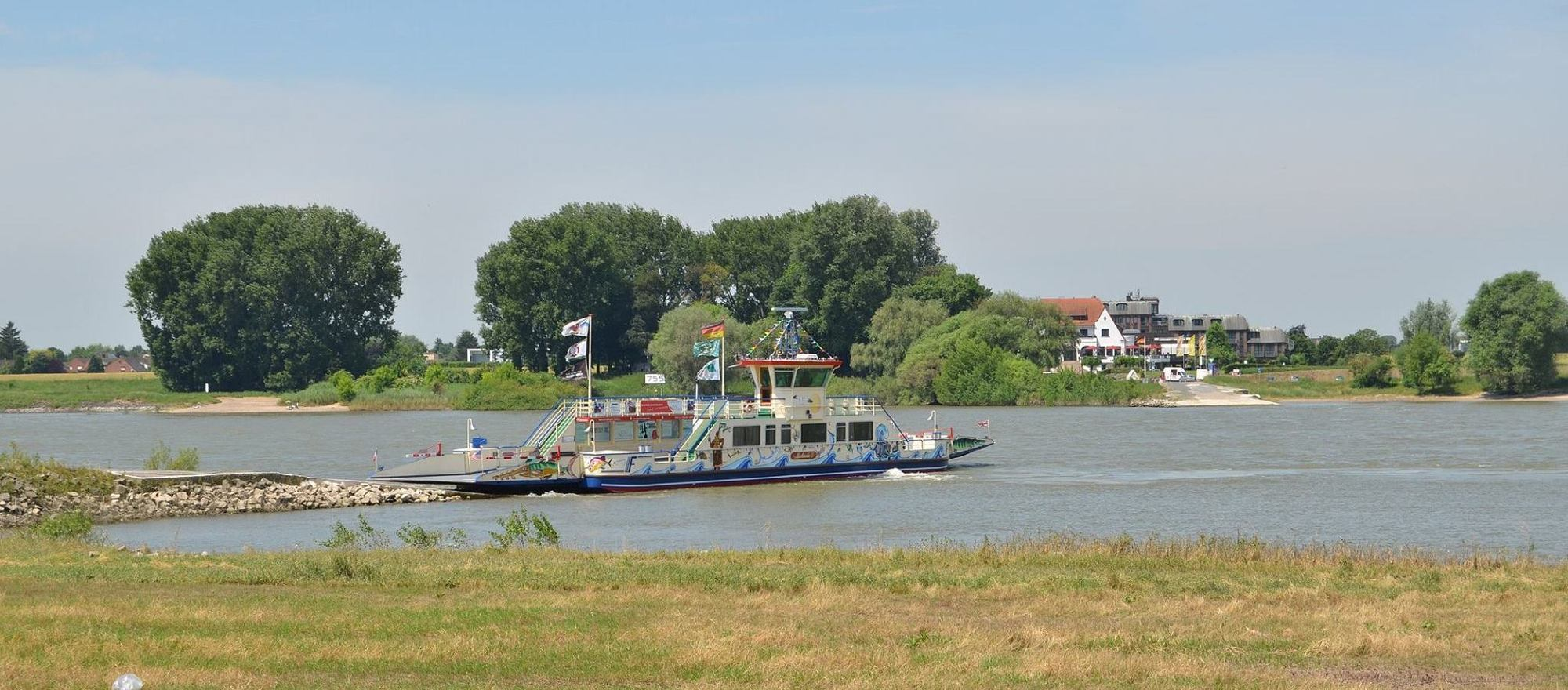 Ferry over the Rhine near the 4-star hotel Ringhotel Rheinhotel Vier Jahreszeiten in Meerbusch