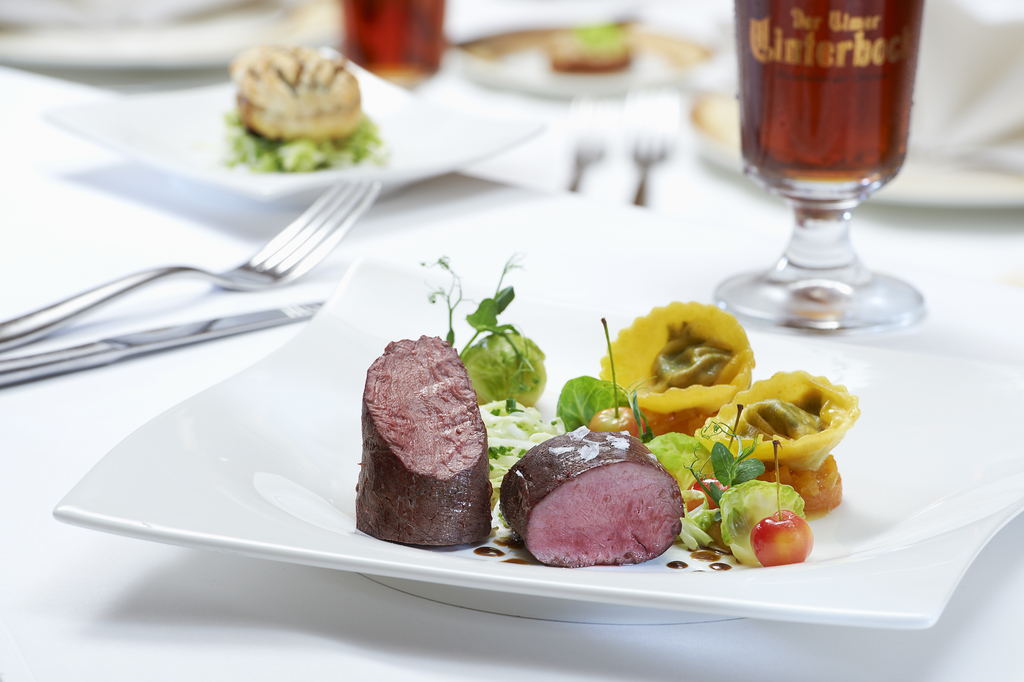 Enjoy good food in the Renchtal valley: chef Sven Kürschner and his kitchen crew serve an extraordinary Baden cuisine in the Ringhotel Sonnenhof in Lautenbach, 4-stars Ringhotel in the Black Forest