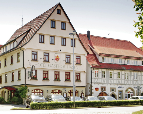 Centrally located, in lovely Herrenberg near Schoenbuch nature reserve, the 4-star hotel Ringhotel Gasthof Hasen in Herrenberg