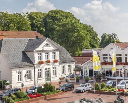 Historic hotel located just 15 kilometers from the North Sea is the 4-star hotel Ringhotel Residenz in Wittmund