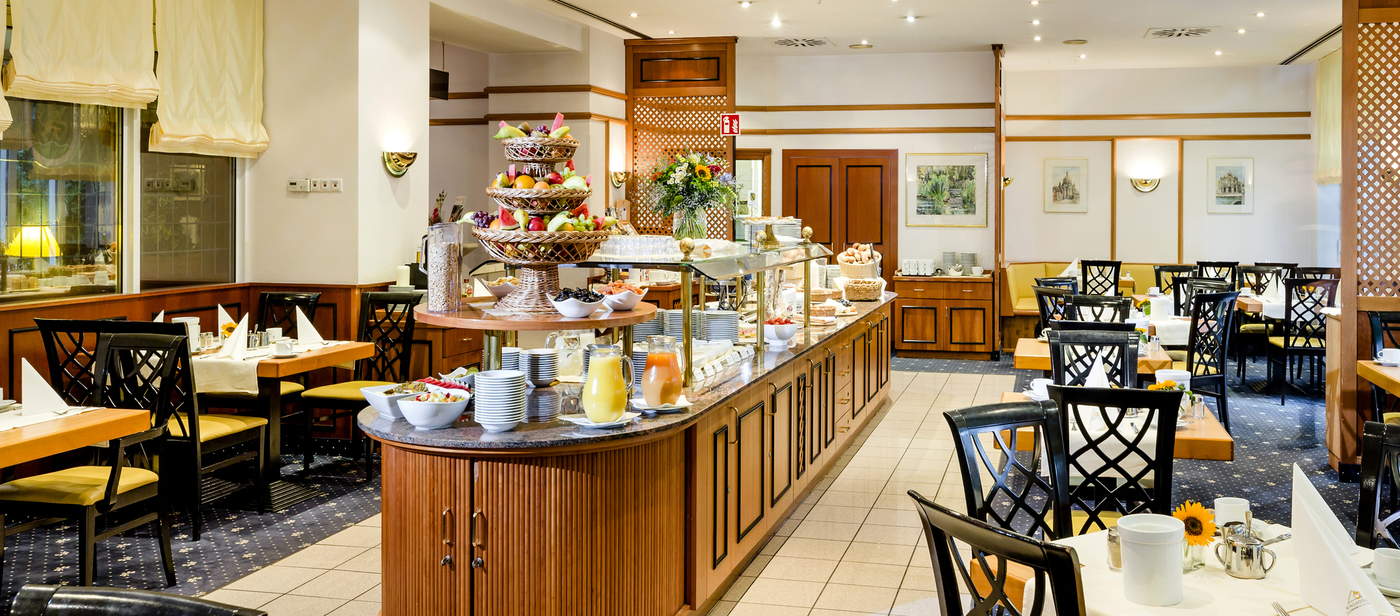 Breakfast at the restaurant  in the 4-star Ringhotel Residenz Alt Dresden in Dresden