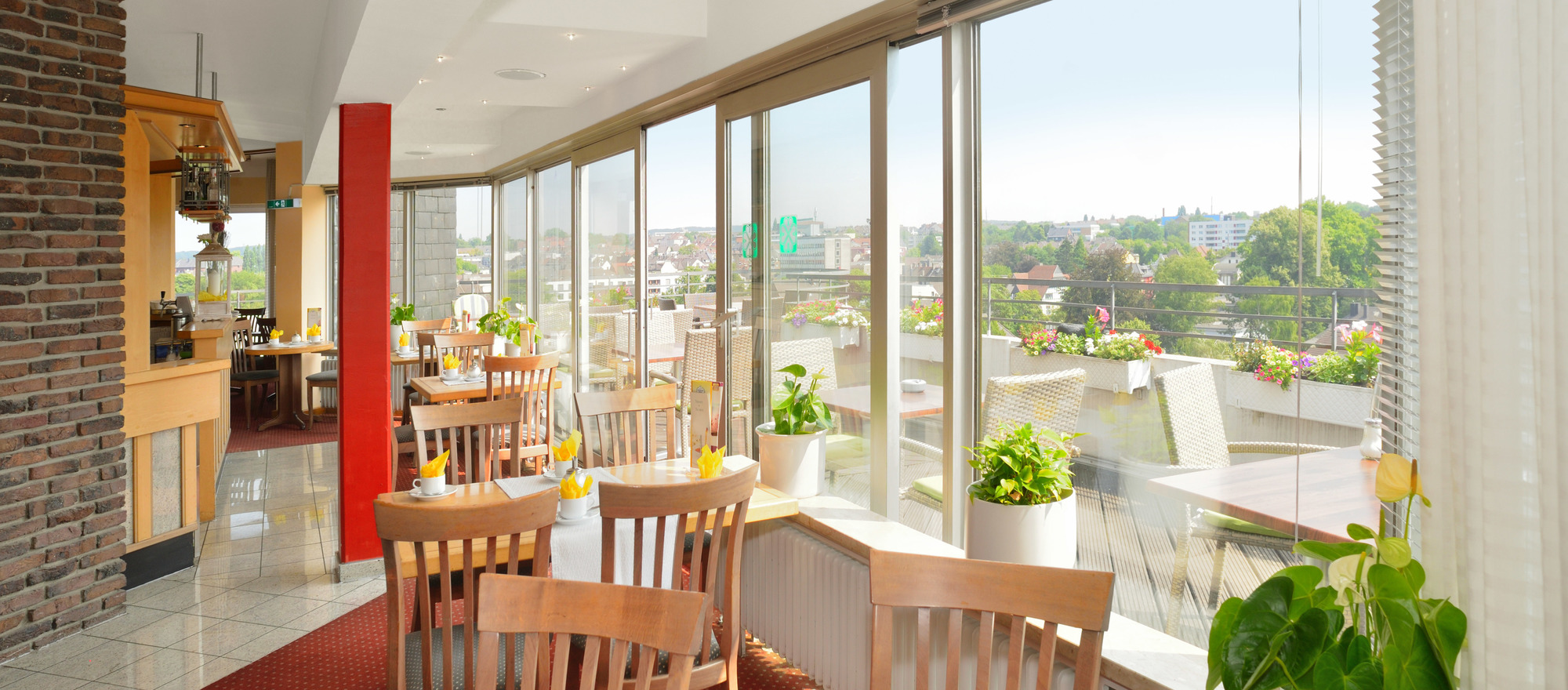 Wonderful panoramic views out of the 9th floor Café at the 3-star-superior hotel Ringhotel Parkhotel Witten in Witten