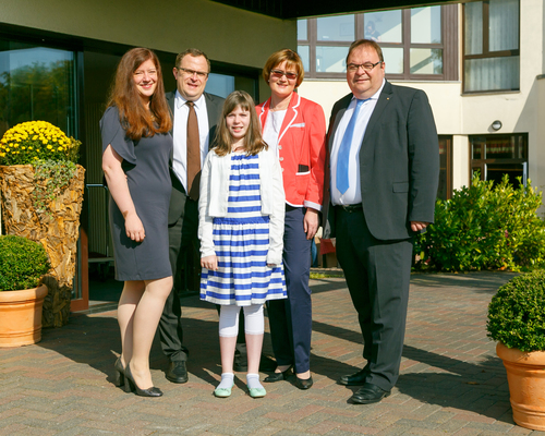 Family Pirl welcomes you at the 4-star hotel Ringhotel Zum Stein in Woerlitz