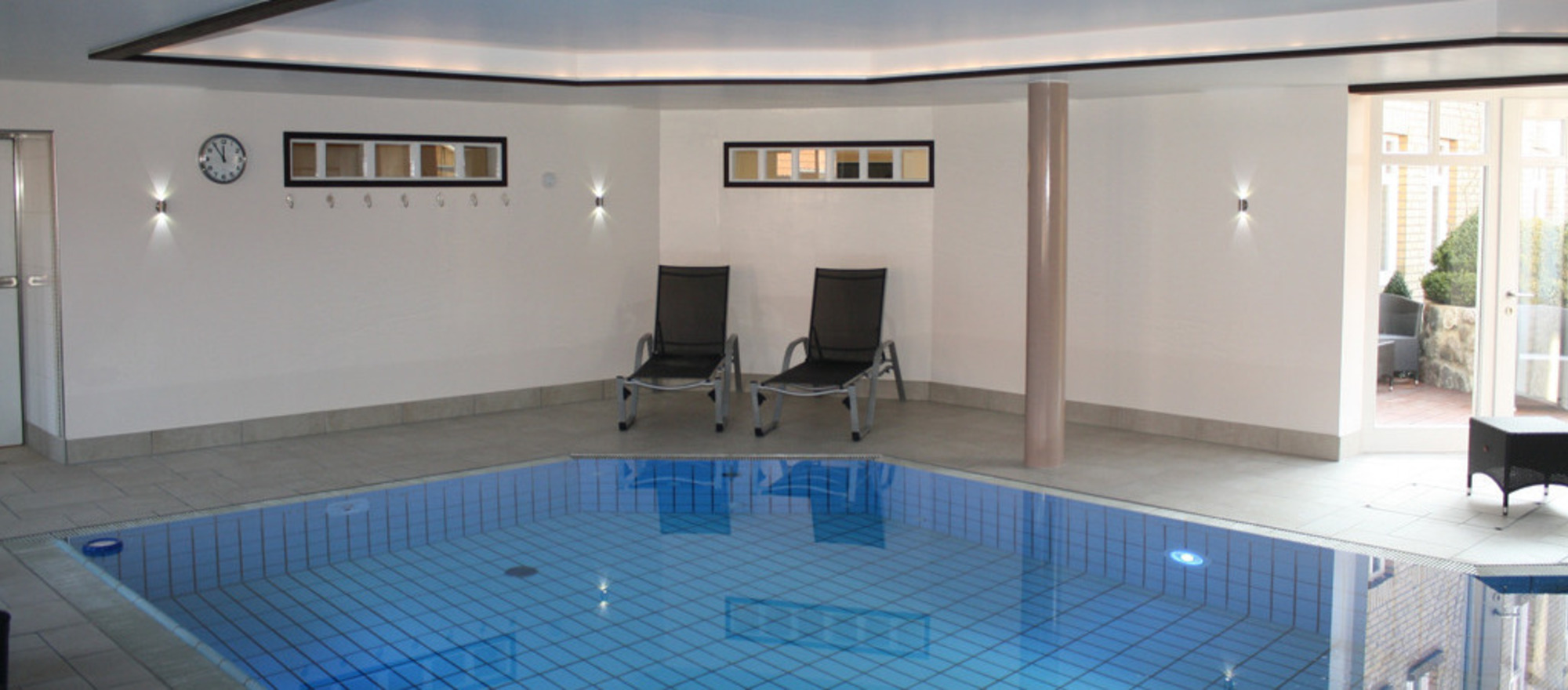 Swimming pool in Ringhotel Aquarium Boddenberg in Friedrichstadt, 4 star hotel  at the north sea