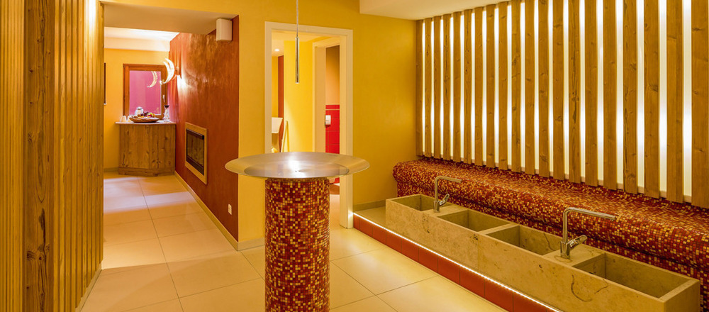 View to the spa area of the 3-star-superior Ringhotel Aparthotel Badblick garni in Bad Bellingen