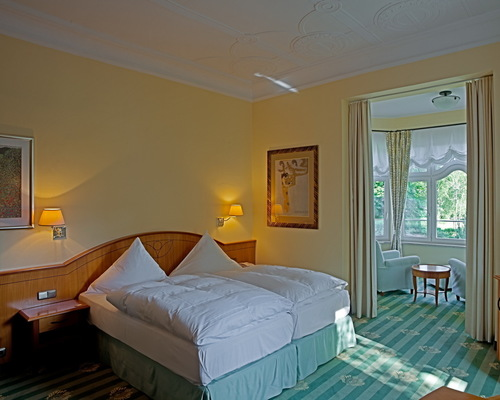 Lovely luxurious room with ocean view at the 4-star-superior hotel Ringhotel Strandblick in Kuehlungsborn