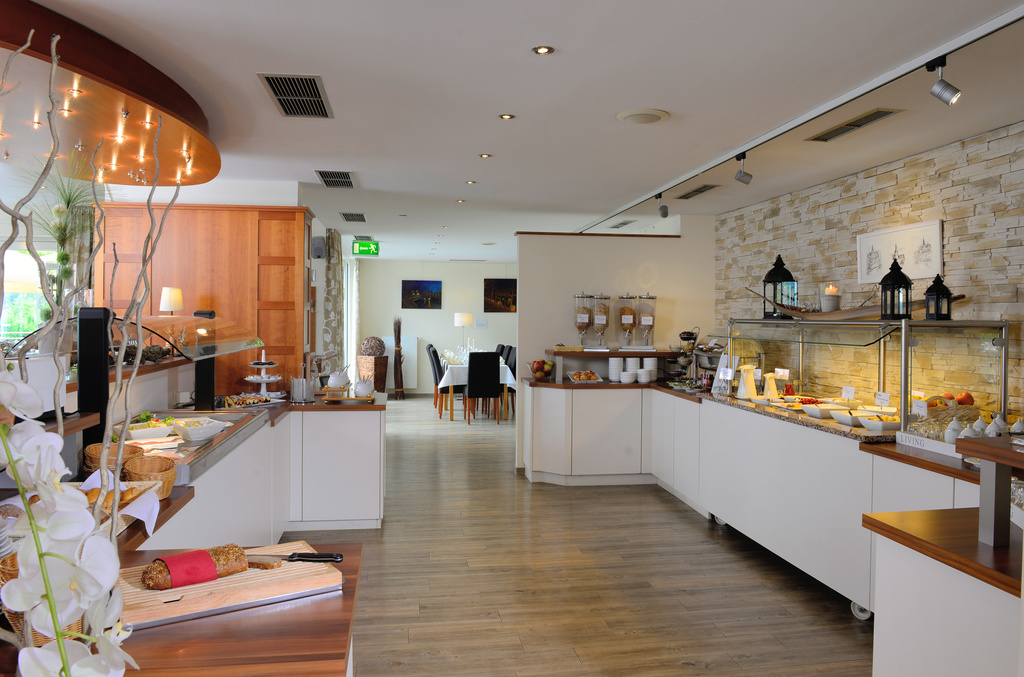 Enjoy the large choice at the breakfast buffet in the 3-star-superior hotel Ringhotel Haus Oberwinter in Remagen/Bonn