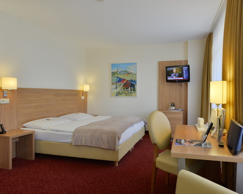 Spacious, comfortable double rooms at the 3-star-superior hotel Ringhotel Haus Oberwinter in Remagen/Bonn