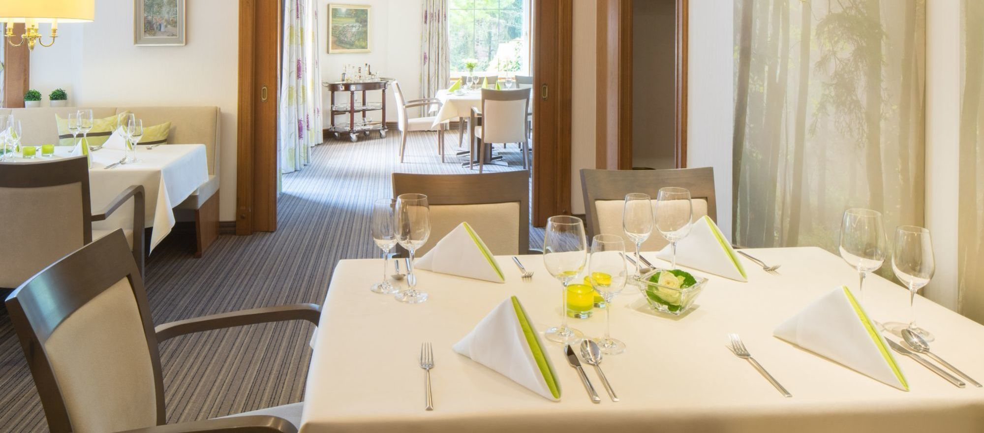 In the restaurant of the 4-star-superior hotel Ringhotel Celler Tor in Celle we serves a range of regional specialties, as well as light, international fare