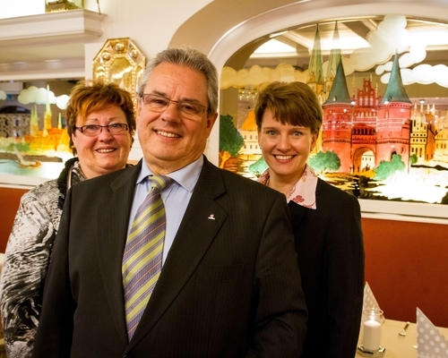 Family Rahlff-Petersson and Birgitt Büchner welcomes you at the 3-star hotel Ringhotel Jensen in Luebeck