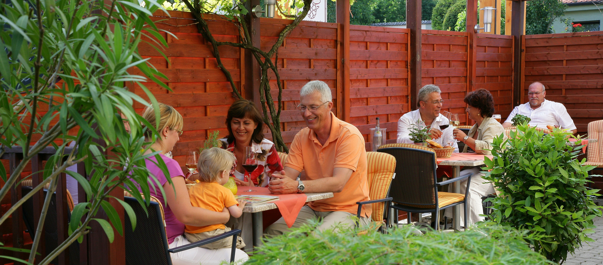 Cozy garden terrace in the 3-star-superior hotel Ringhotel Reubel in Nuremberg-Zirndorf
