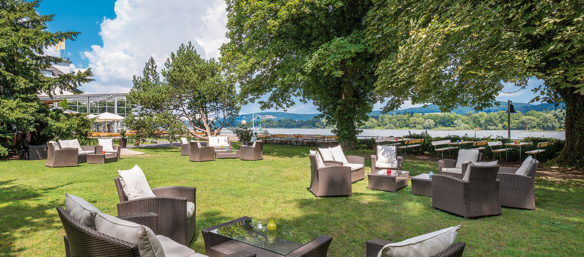 Beer garden in the park, Ringhotel Rheinhotel Dreesen in Bonn-Bad Godesberg