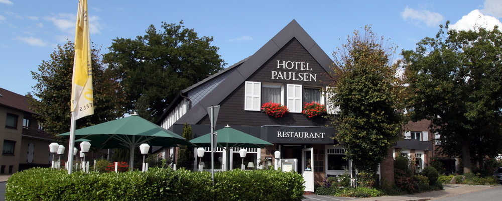 The 3-star-superior hotel Ringhotel Paulsen in Zeven is located between Bremen and Hamburg at the heart of the Elbe-Weser triangle