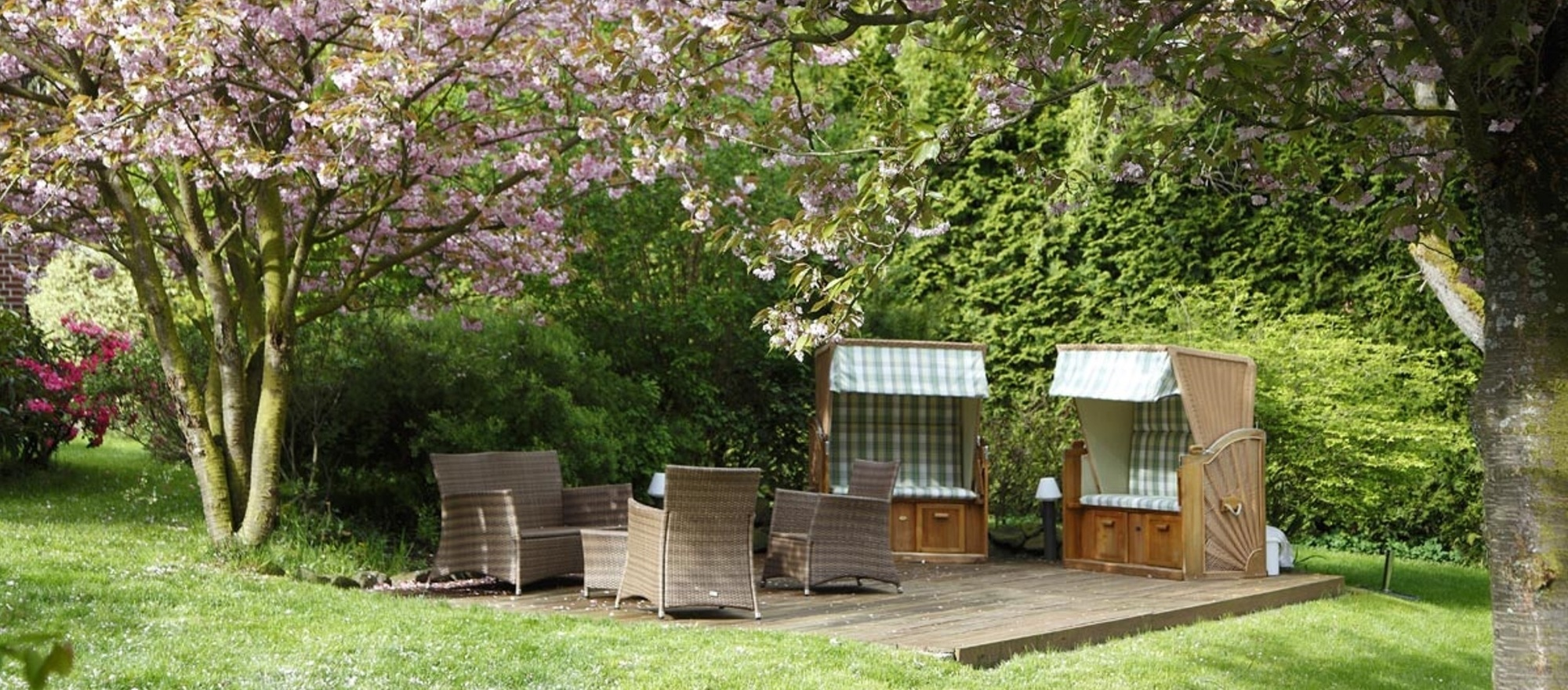 Restfulness area in the garden at the 4-star Ringhotel Posthotel Usseln in Willingen