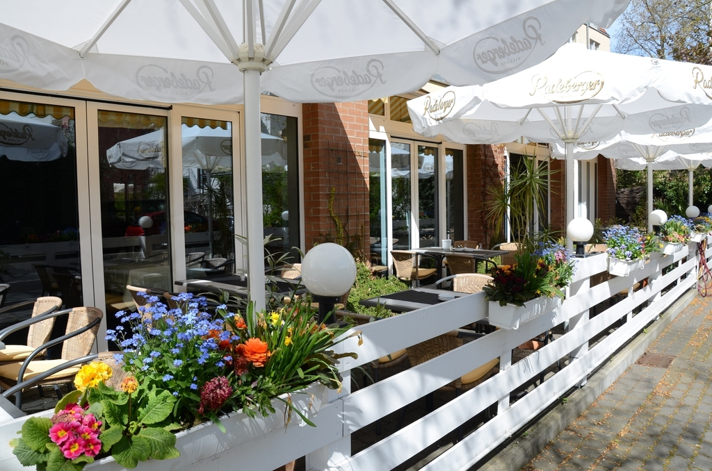 Restaurant with sun terrace at the 4-star Ringhotel Residenz Alt Dresden in Dresden