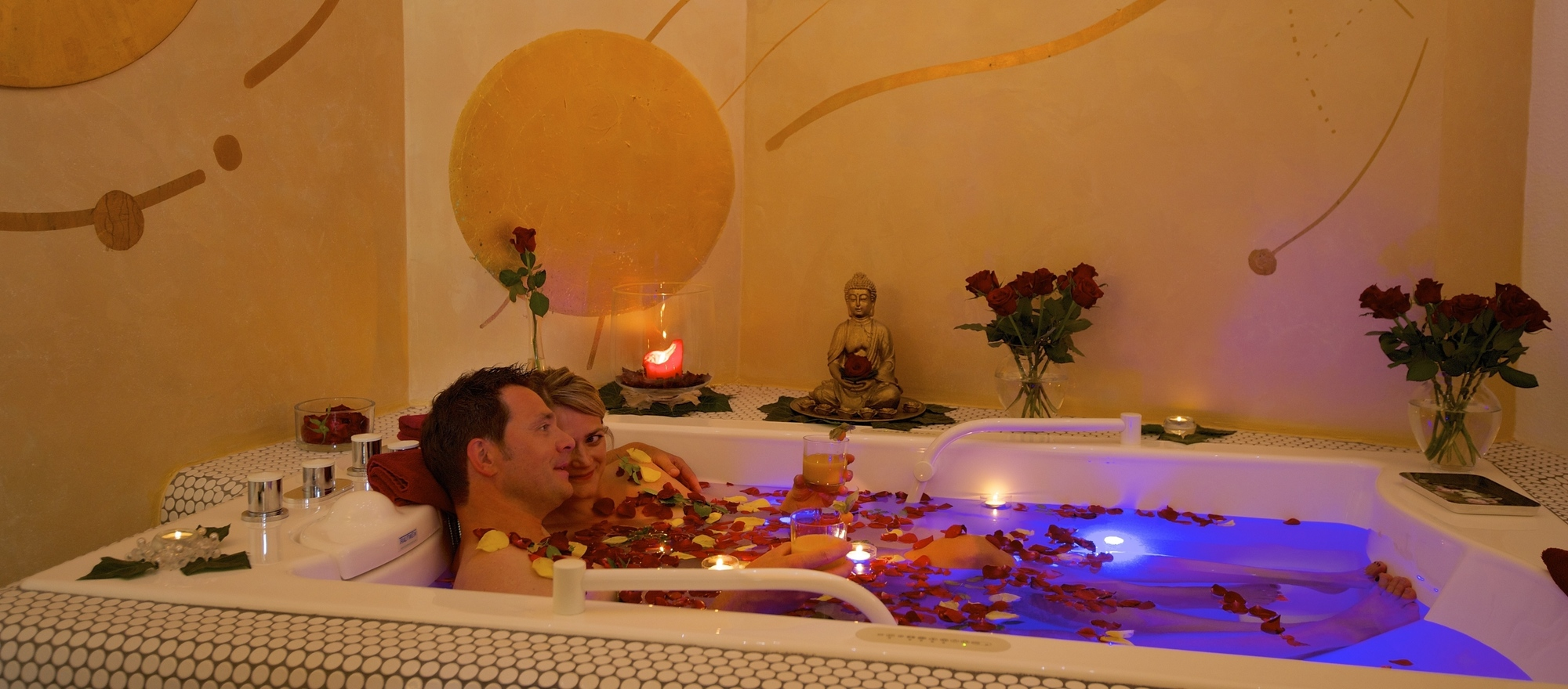Bathing in the Oasis Sun Spa at the 4-star-superior hotel Ringhotel Krone in Friedrichshafen