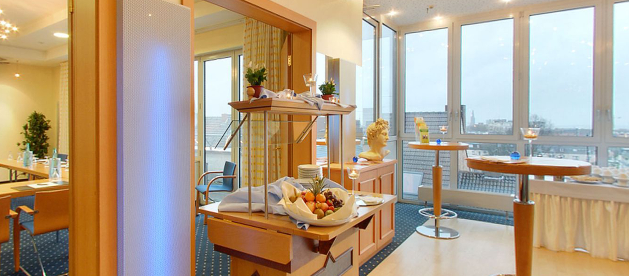 Meeting space with catering and lounge area at the 4-star Ringhotel Drees in Dortmund