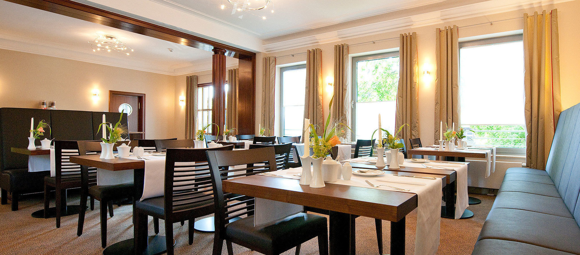 Extensive breakfast buffet at the 4-star hotel Ringhotel Kocks at Muehlenberg garni in Muelheim