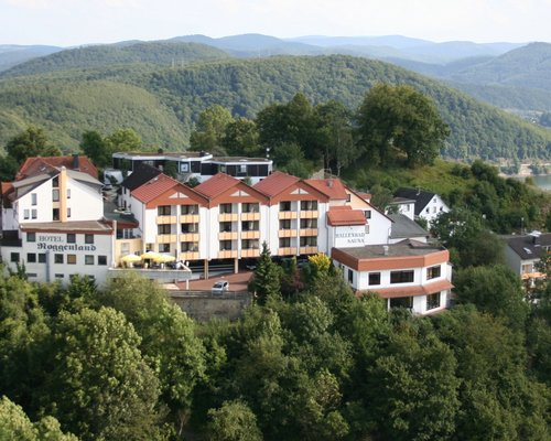 Situated above the Edersee lake lies the 4-star hotel Ringhotel Roggenland in Waldeck