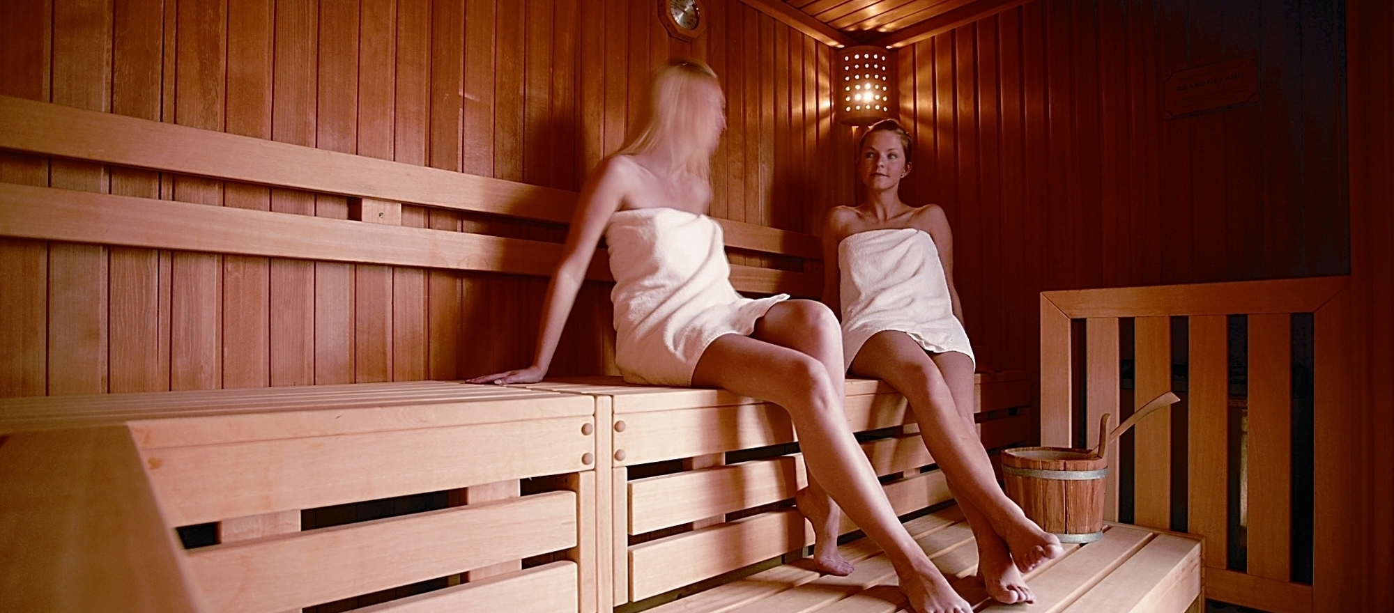 Oasis with sauna and steam bath at the 4-star hotel Ringhotel Appelbaum in Guetersloh