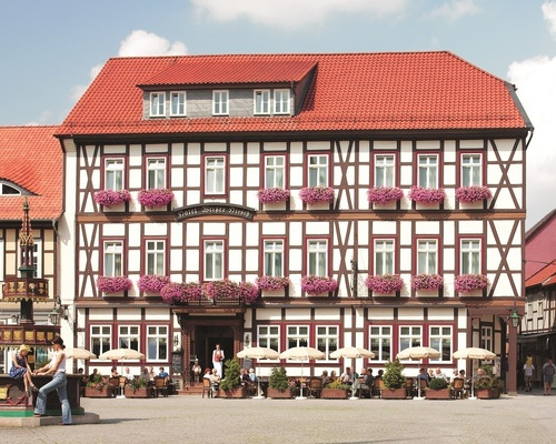The central situated 4-star hotel Ringhotel Weißer Hirsch in Wernigerode in the Harz is the ideal recreation place