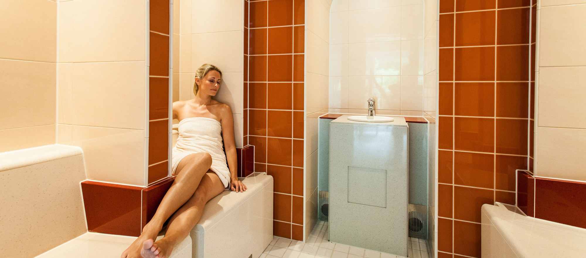 Feel good in the tepidarium with a pleasant ambient temperature in the 4-star hotel Ringhotel Birke in Kiel