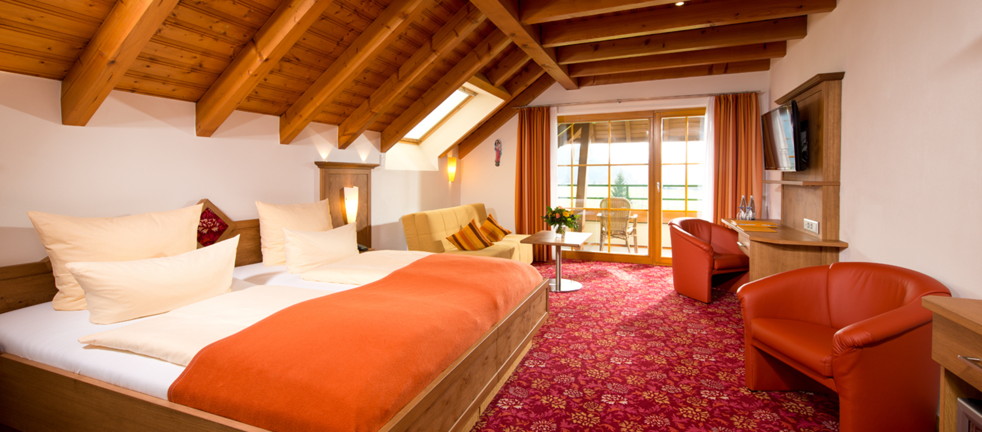 Cosiness in country style, the superior rooms with balcony at the 4-star Ringhotel Schwarzwald-Hotel Silberkoenig in Gutach-Bleibach