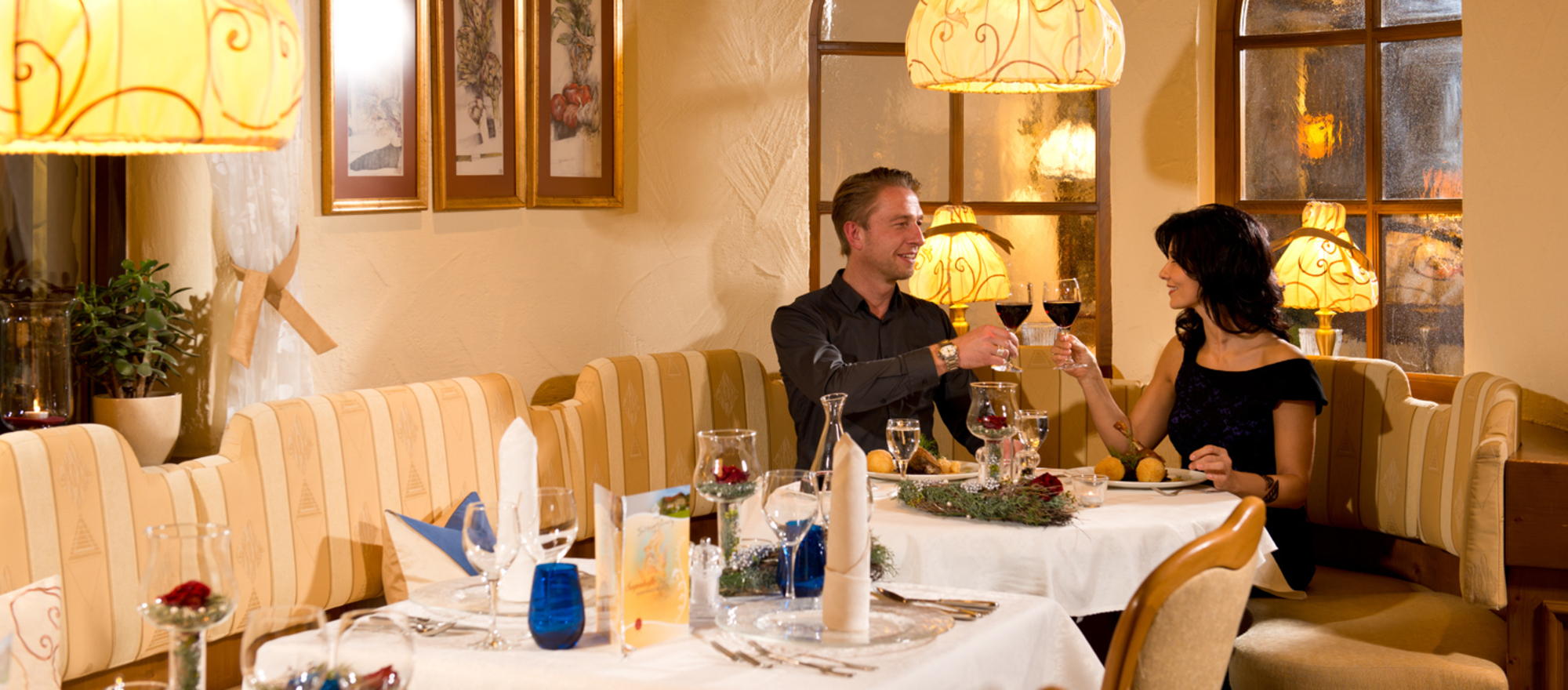 The a la carte restaurant St. GeorgStube serve culinary delicacies from our own as well as neighboring regions  at the 4-star Ringhotel Schwarzwald-Hotel Silberkoenig in Gutach-Bleibach