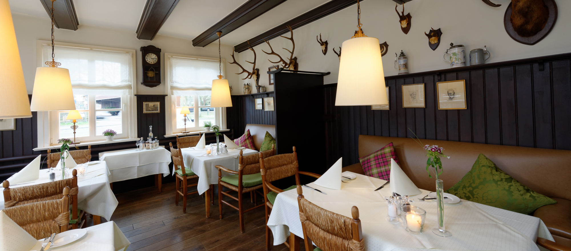 Refined cuisine in the traditional restaurant at at the 4-star hotel Ringhotel Sellhorn in Hanstedt