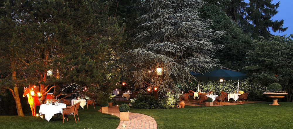 Enjoy mil summer evenings in the garden of the the 4-star hotel Ringhotel Mersch in Warendorf